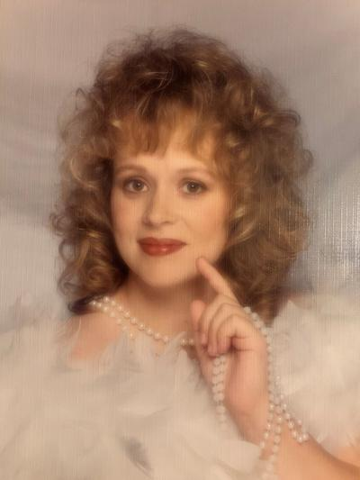 Carrie Peterson obituary photo.jpg