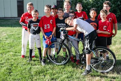 Youth baseball team1.JPG