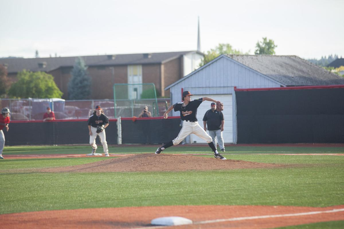 Dirtbags clinch victories