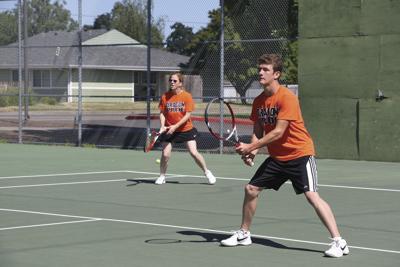 Tennis tournament draws 58 players