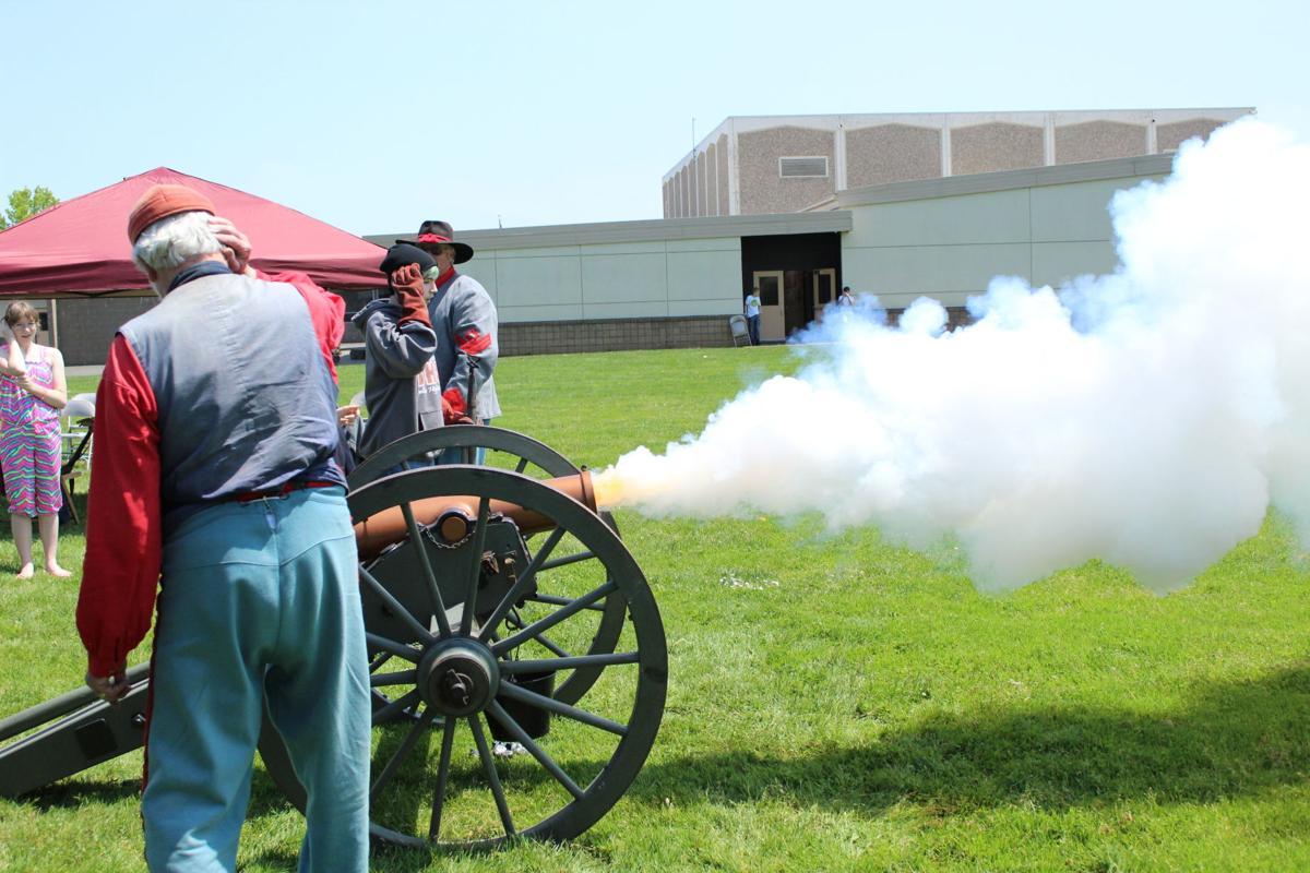 Civil War cannon 2.JPG