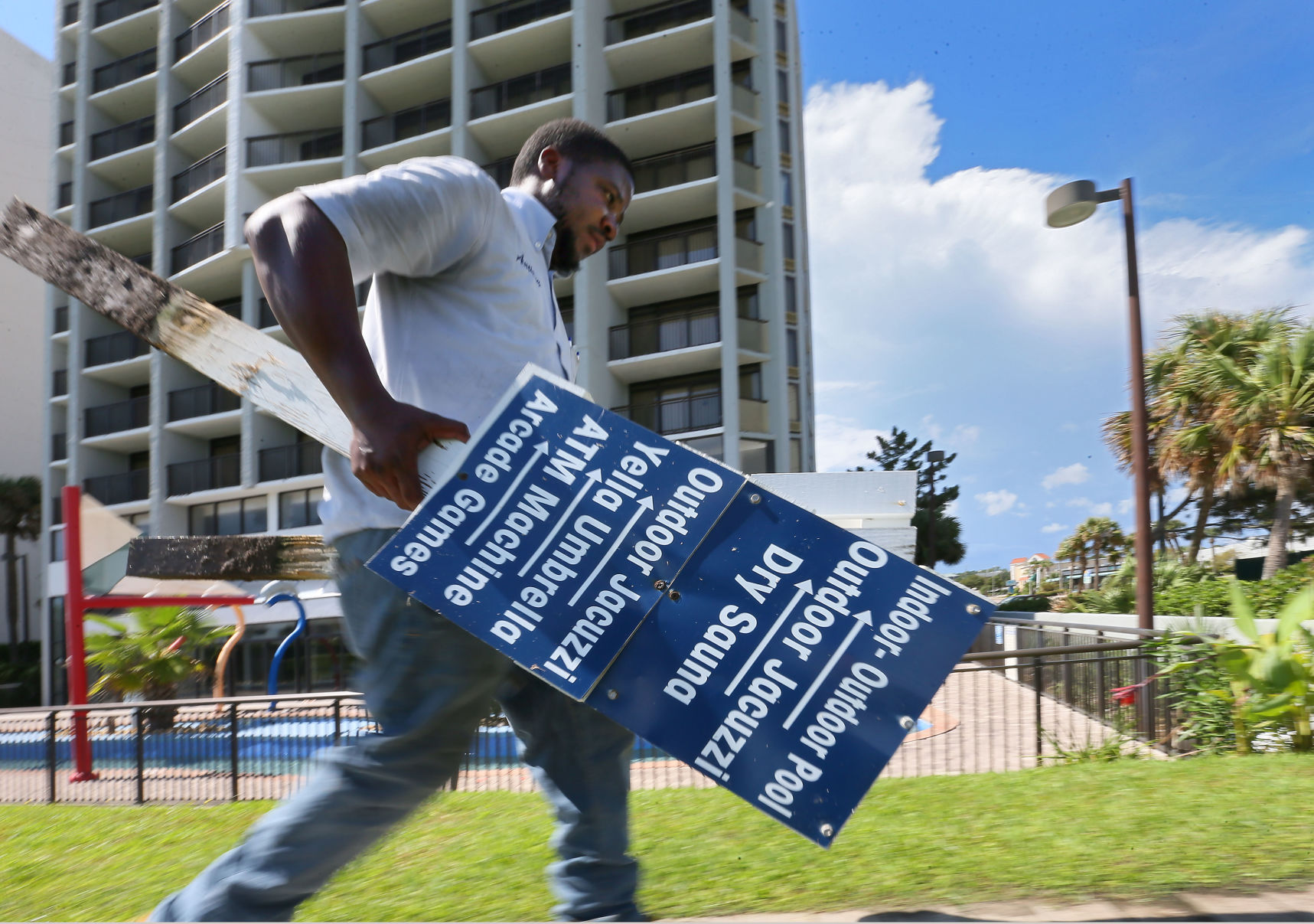 signs Myrtle Beach Hurricane Florence.jpg | Post and Courier