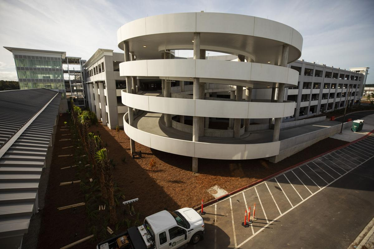 Charleston airport new parking deck
