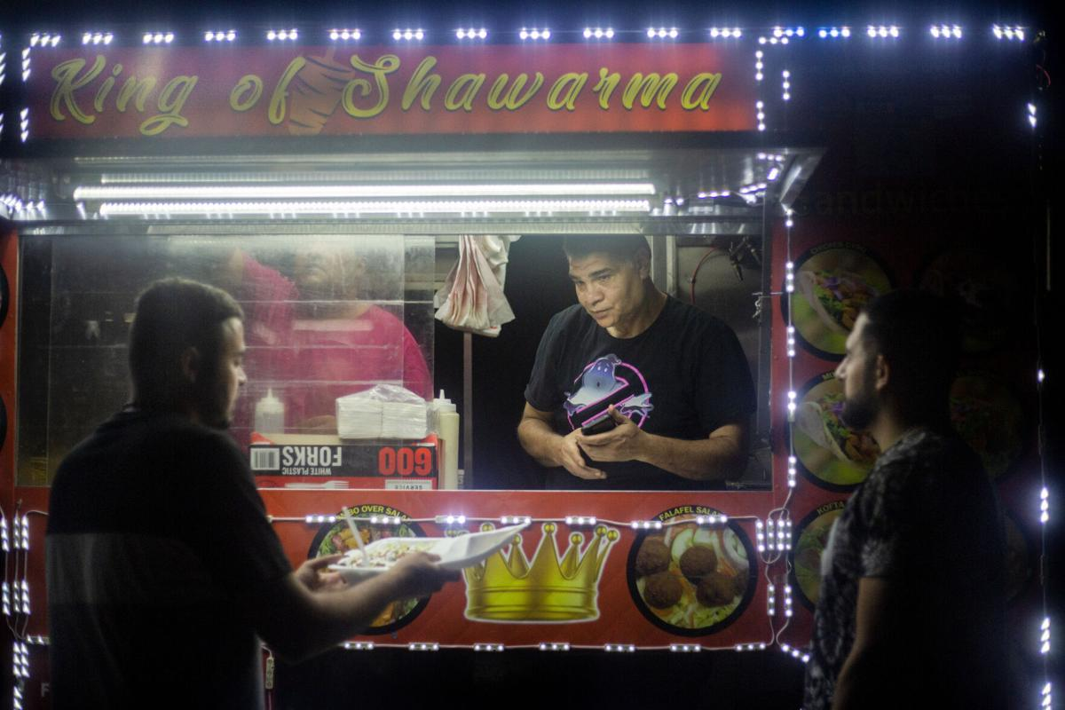Street food vendor 02.jpg