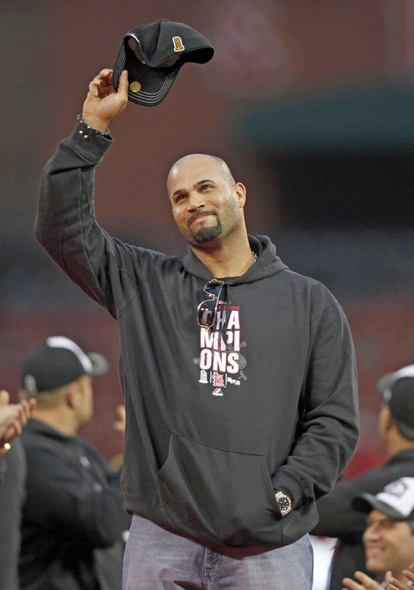 Not in Cards: Pujols signs with Angels