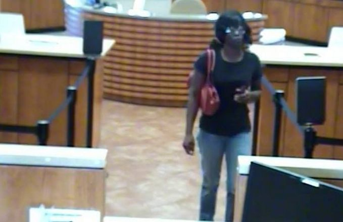 North Charleston police looking for female suspect after bank robbery