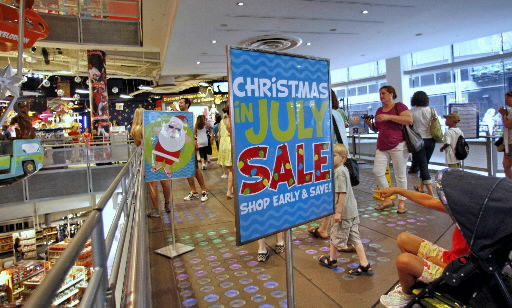 Maximize stores' Christmas clubs