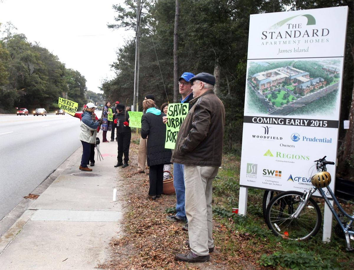 James Island residents worried about proposed 340-unit apartment complex on Maybank Highway