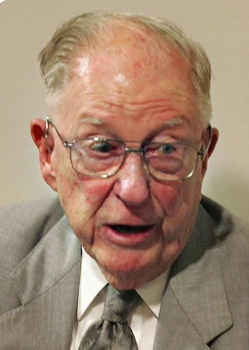 Berlin G. Myers won't seek an 11th term