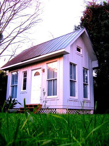 75 Maple St. — Diminutive Wagener Terrace bungalow provides snug fit as eclectic rental