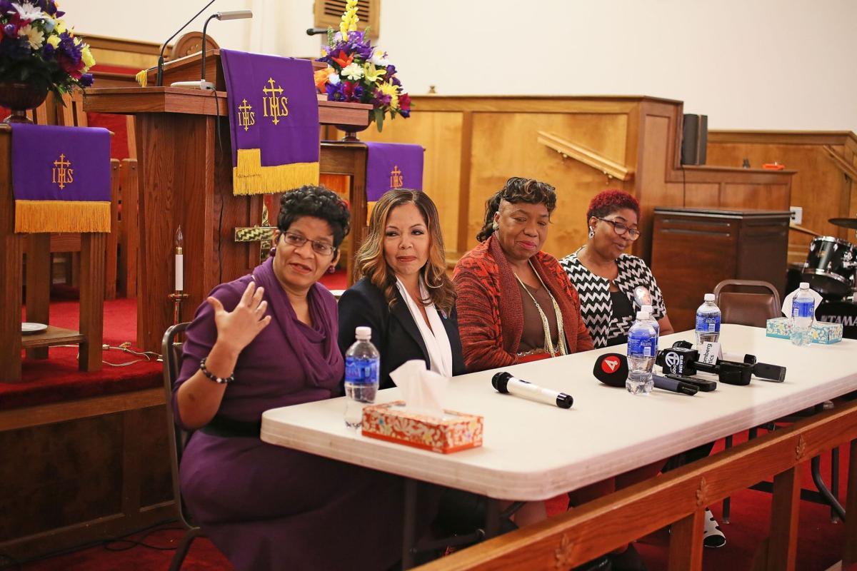 Mothers back Clinton for stances on gun violence, police reform