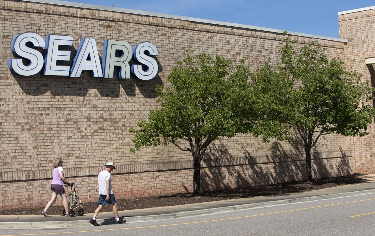 Sears Closing01.jpg
