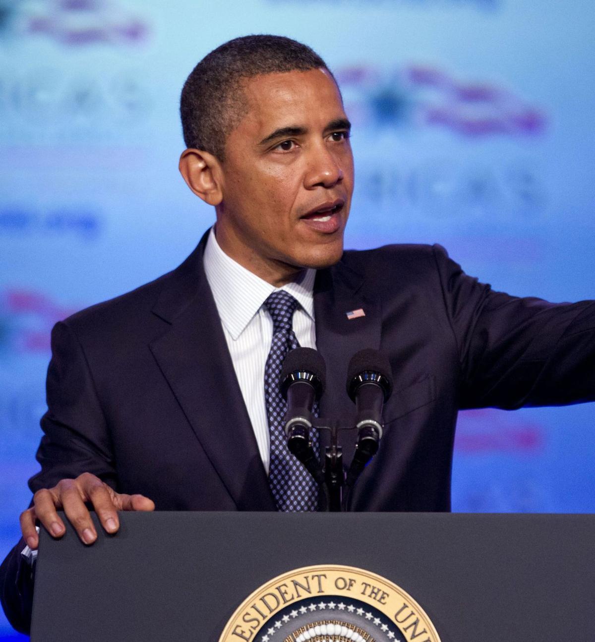 Obama, Romney begin battle for campaign cash