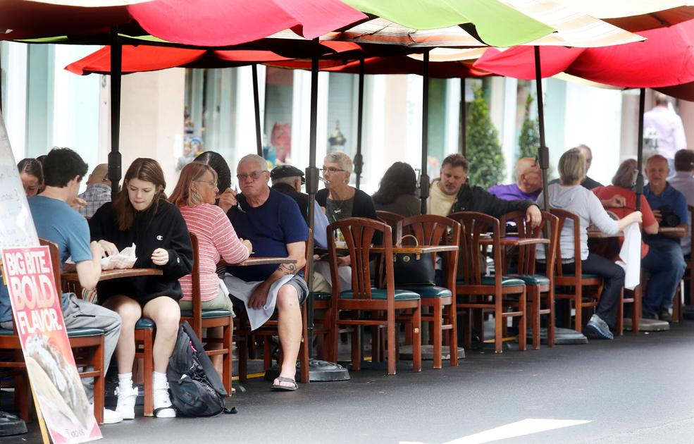 City of Charleston considers closing off downtown streets to make room for outdoor dining