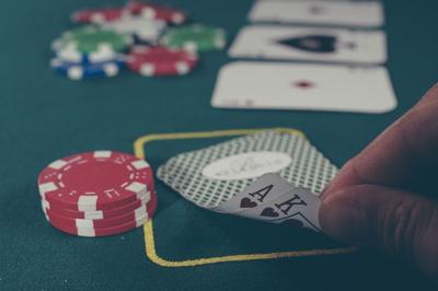 cards-1030852_1920.jpg