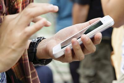 Limit cellphones in school (copy)