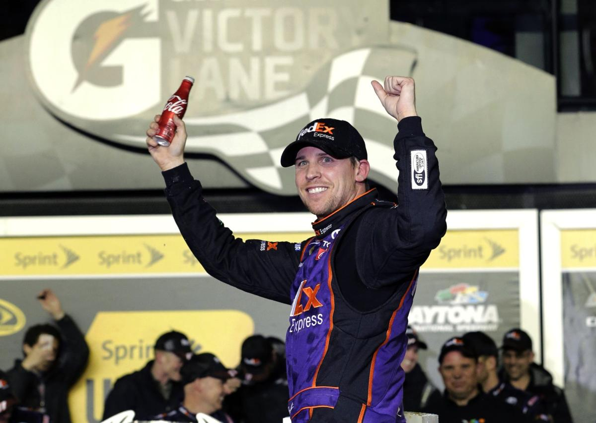 Hamlin drives to victory at Daytona