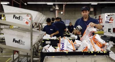 FedEx, UPS make plans for a better holiday season (copy) (copy)