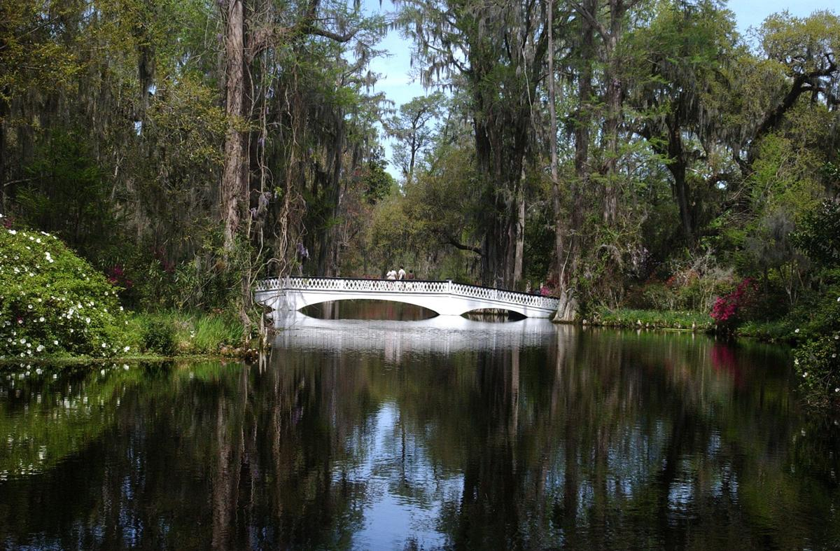 Two Charleston tourist attractions cutting their rates for most of September