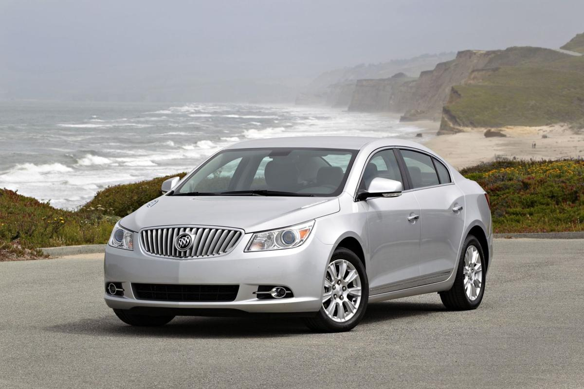 2012 Buick LaCrosse conservative, handsome, a touch of dynamic style