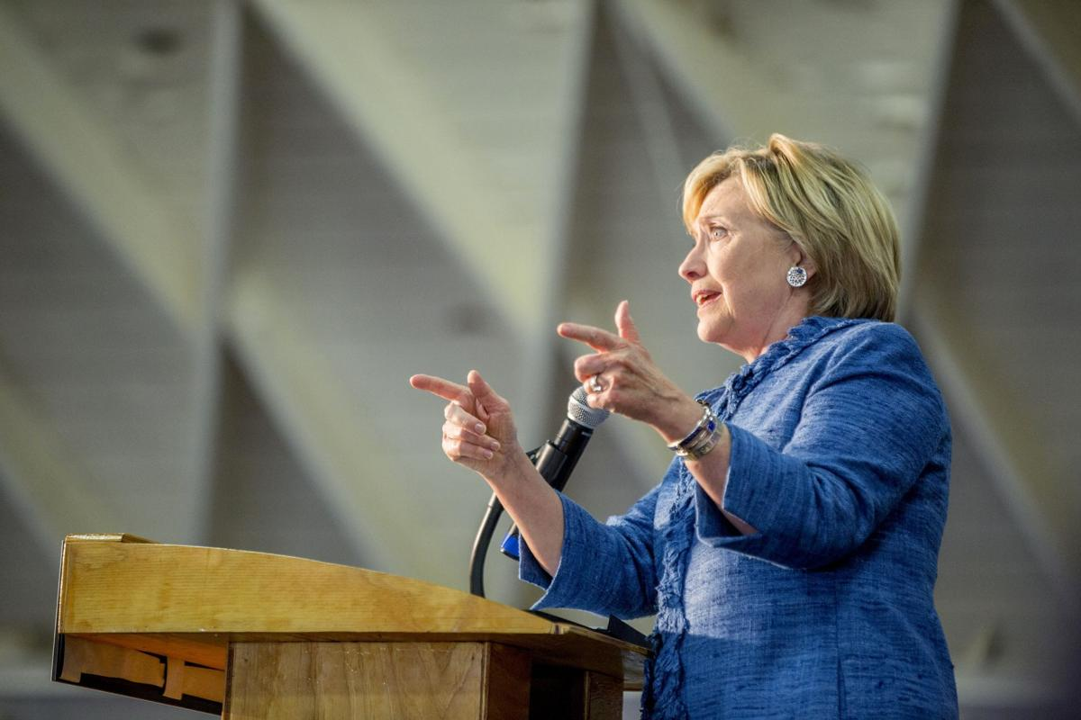 Clinton opposes construction of Keystone XL pipeline