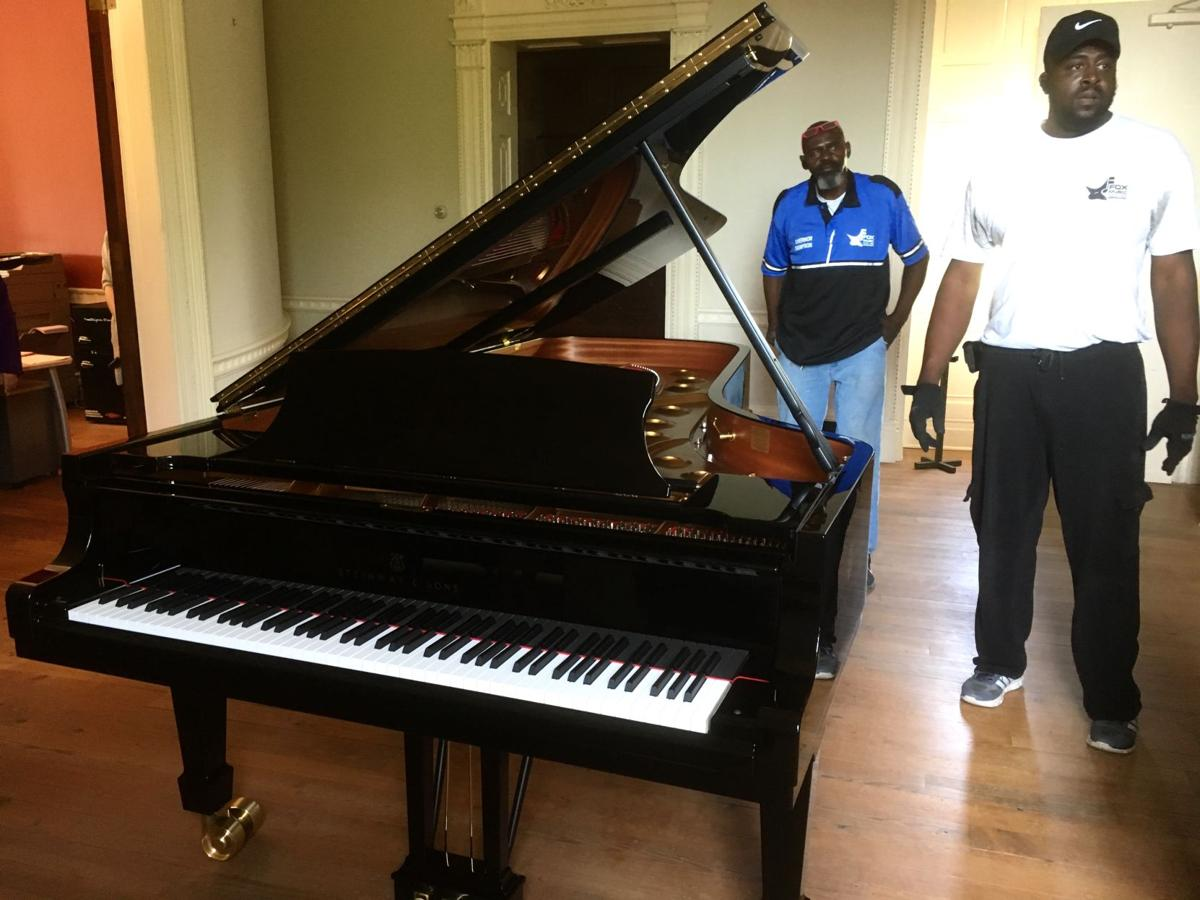 spoleto festival shows off new hamburg steinway piano features. Black Bedroom Furniture Sets. Home Design Ideas