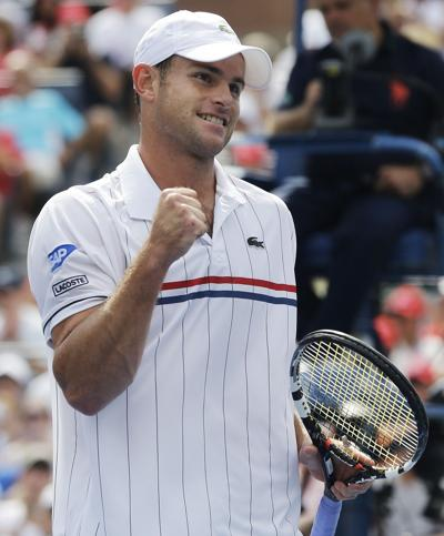Roddick beats Fognini to postpone retirement