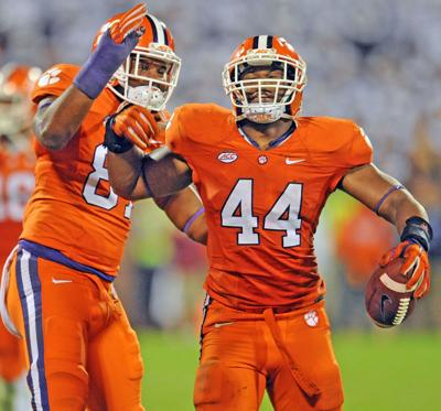 B.J. Goodson thrives from small-town school to middle of Clemson's defense