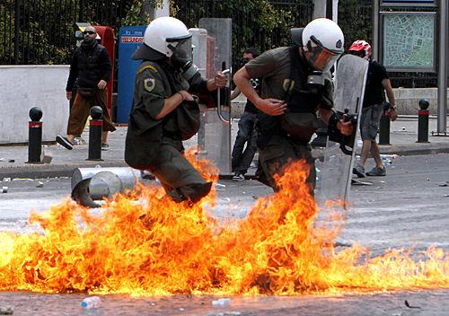 Violence erupts in Greek crisis