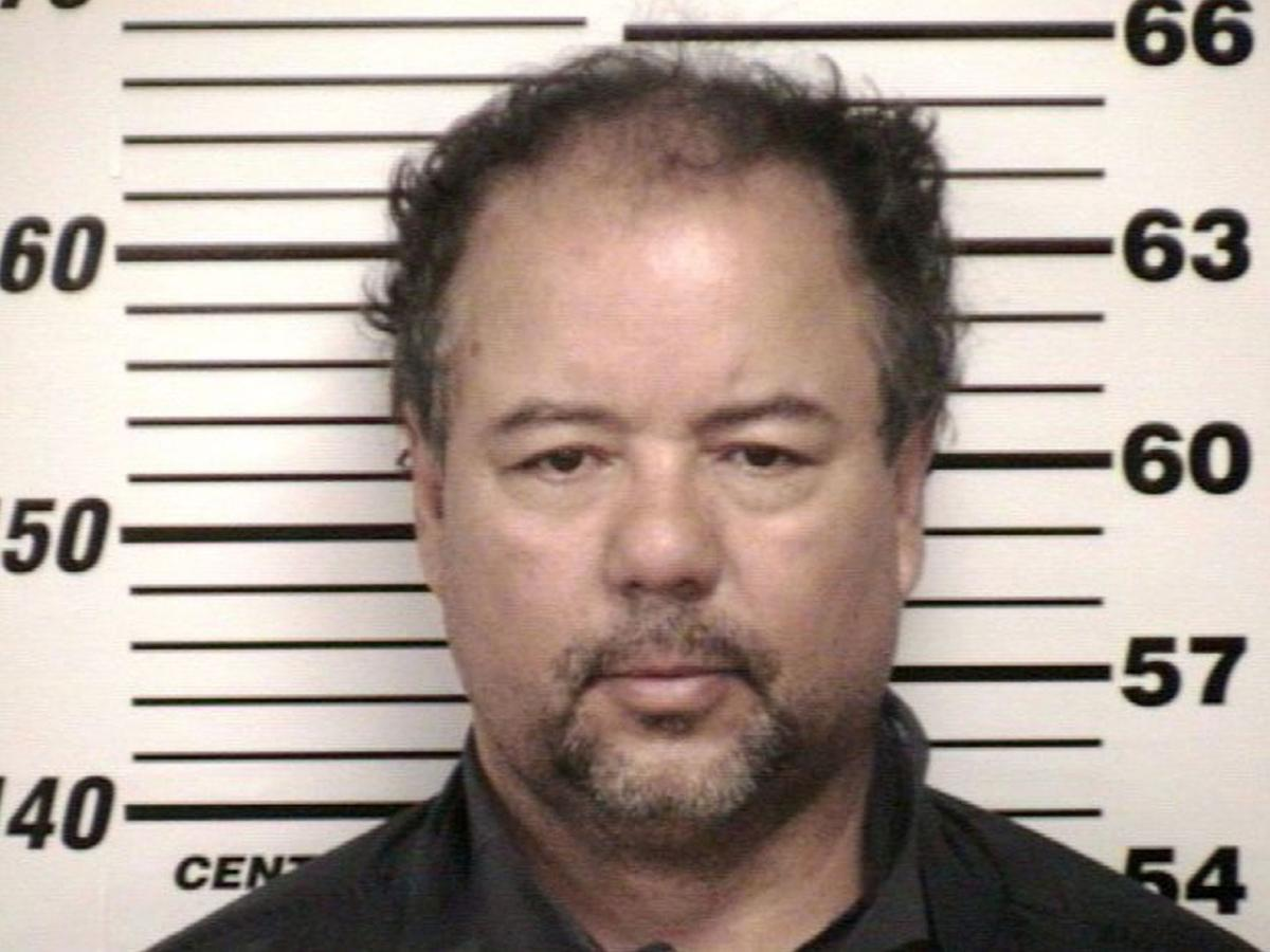 Ariel Castro faces 329 charges in missing women case in Cleveland