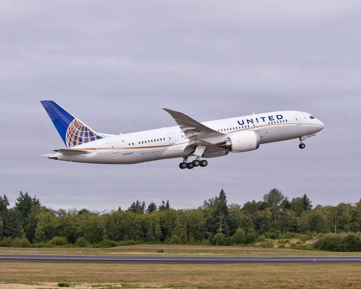 United cuts short flight on 787, 3rd time in a week