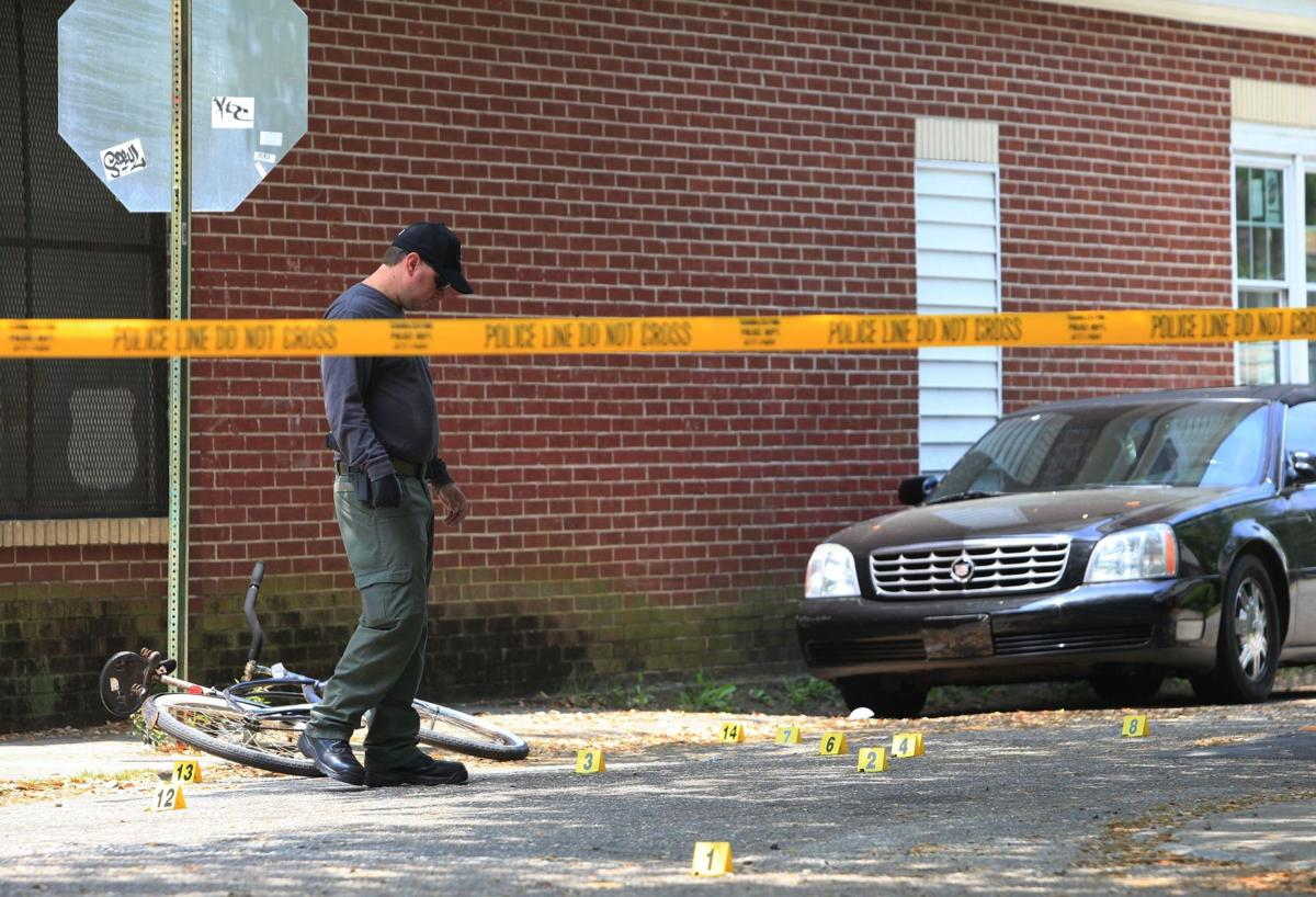 Male victim hospitalized after shooting in downtown Charleston