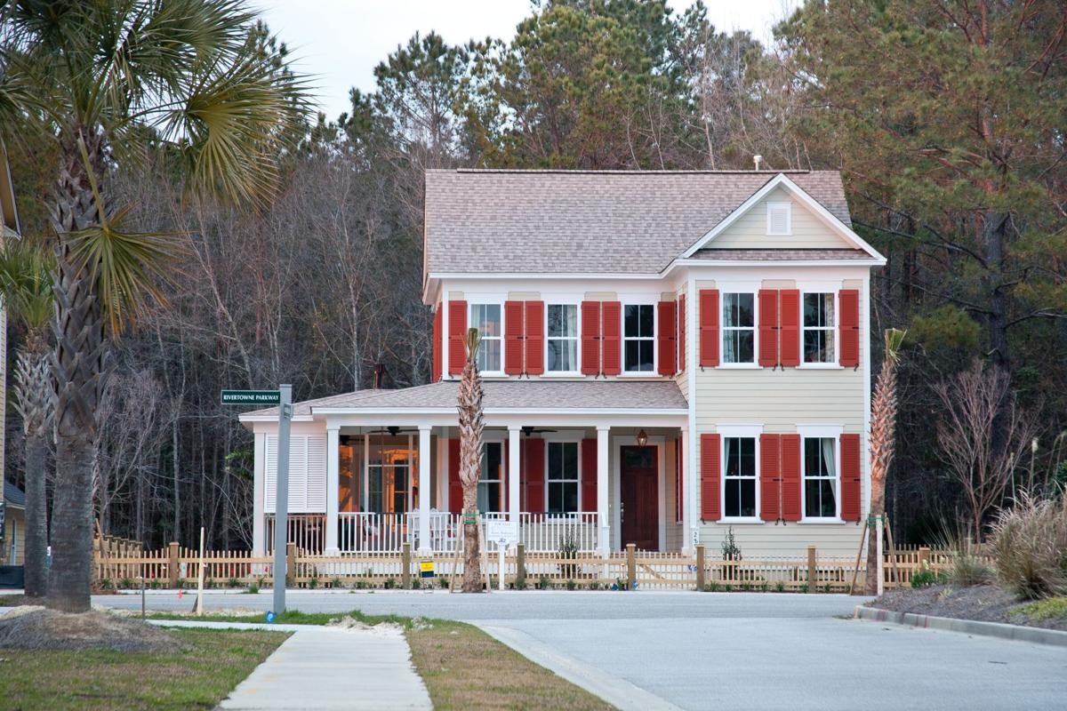 Rollin' To The River: Alluring, neo-traditional enclave also entryway for neighbors on Wando
