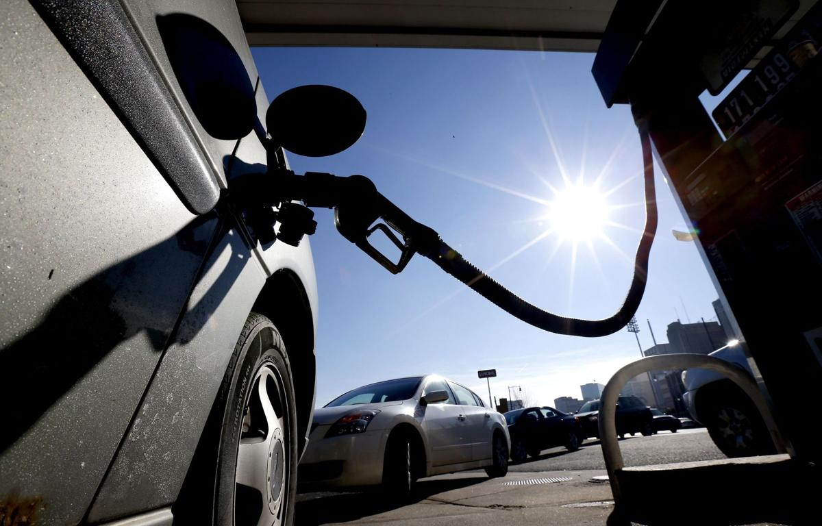 Gasoline prices continue to fall across S.C., still lowest in nation