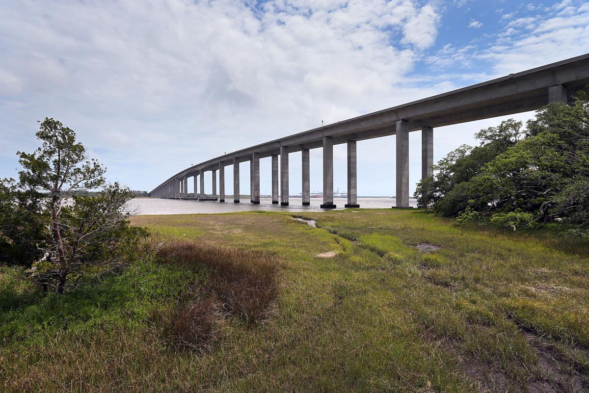 DI toward MP wide 526 bridge over Wando River.jpg