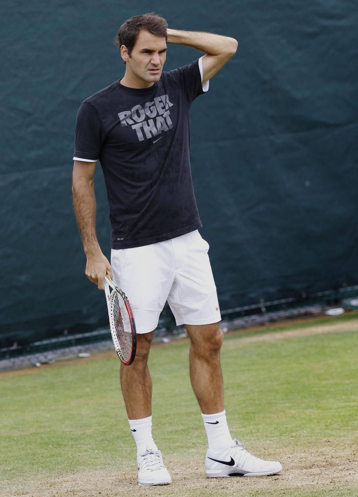 Federer eyes No. 8 at Wimby