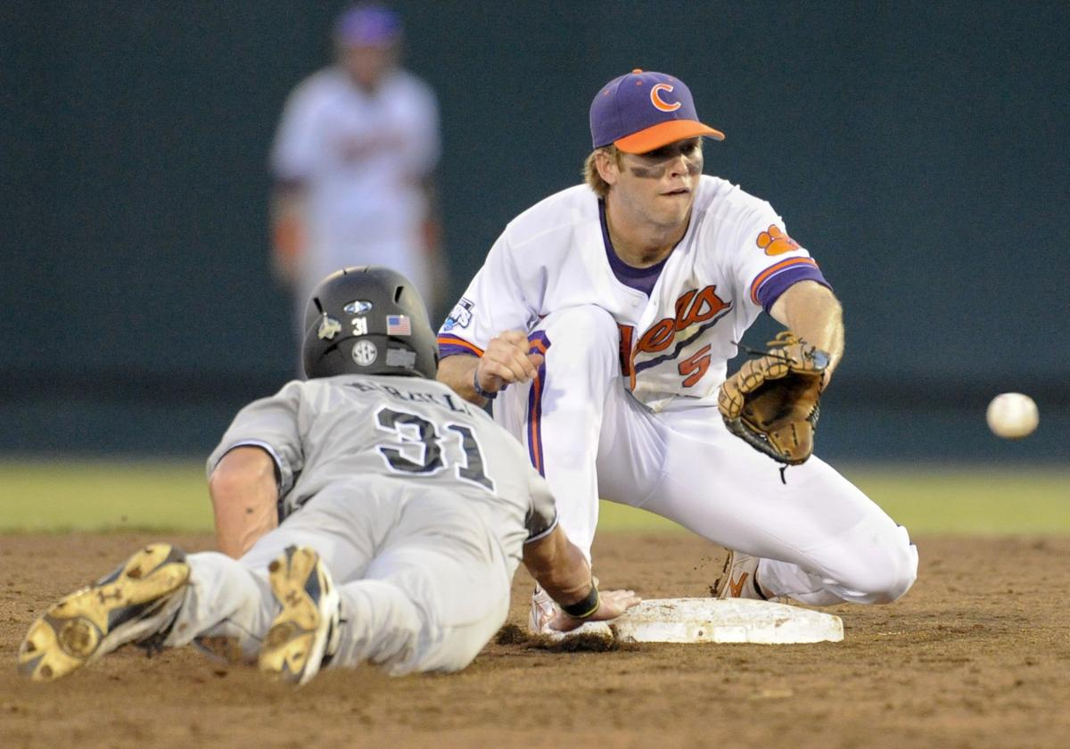2010 - Game 4 USC/Clemson