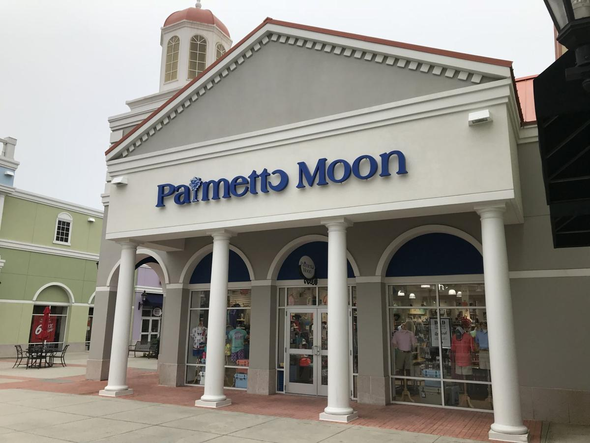 Palmetto Moon at Tanger Outlets