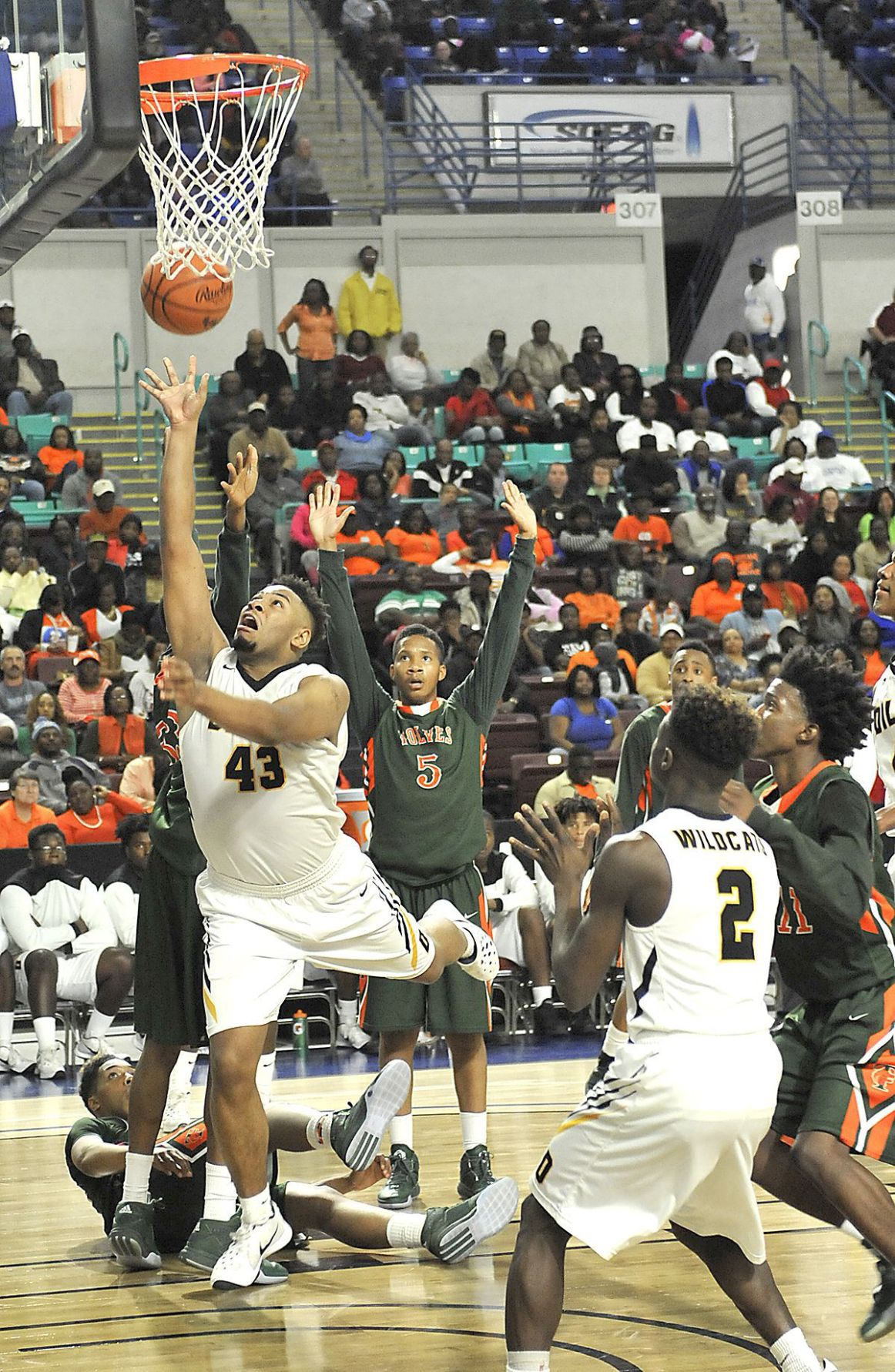 Timberland secures title game berth