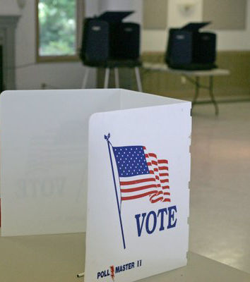 Charleston mayor and city council election field set; Riley faces four challengers