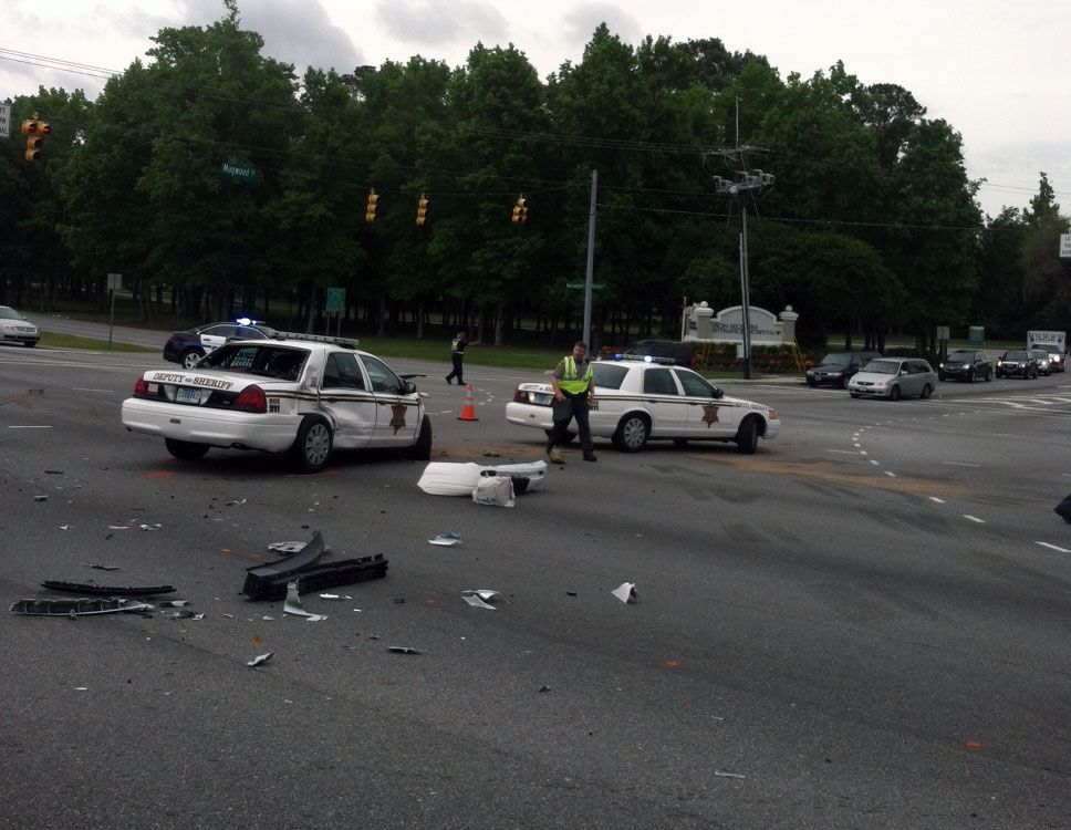 Witness: 'There was lots of blood' after Charleston deputy collides with motorist in West Ashley