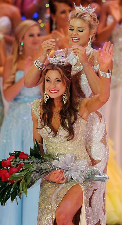 How do we roll? Miss South Carolina Brooke Mosteller touts our mobile homes