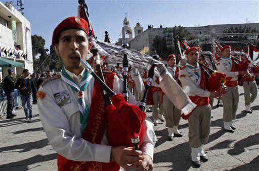 Pilgrims, clergy come to Bethlehem for Christmas