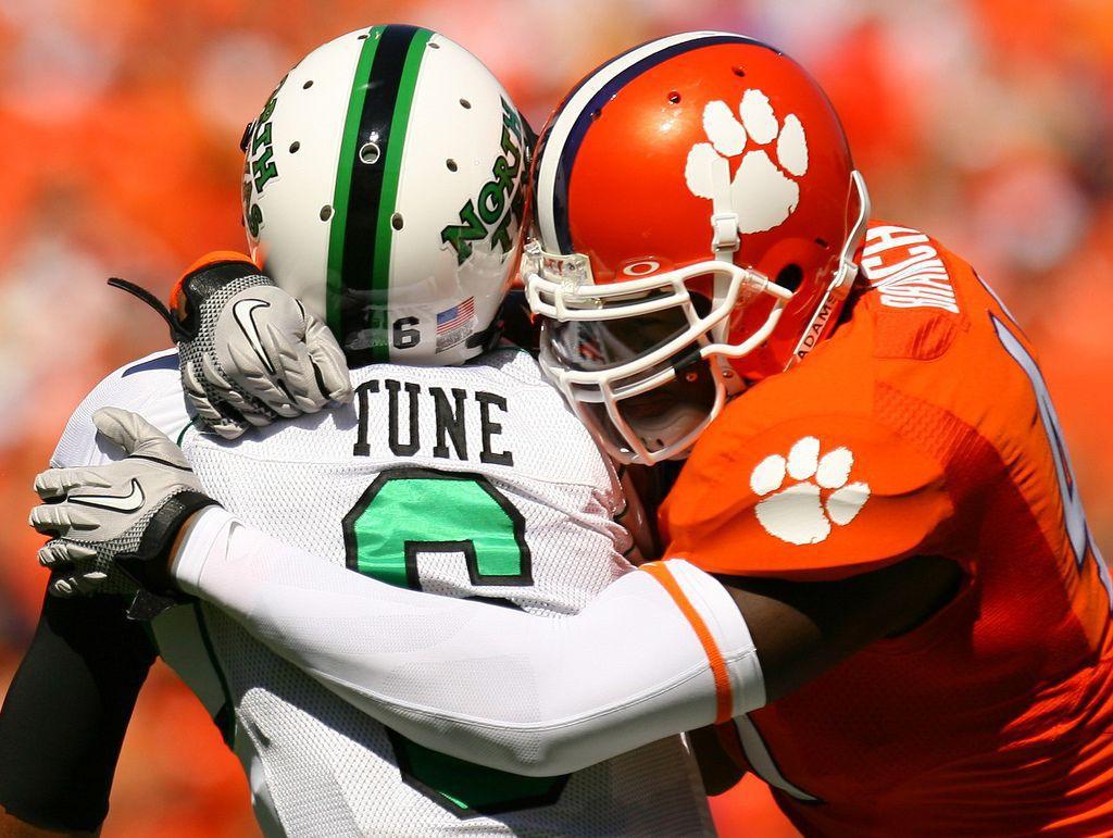 Jaguars grab Clemson's Branch; USC's Jeffery headed to Chicago