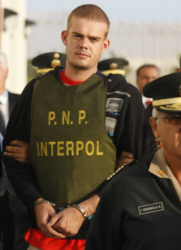 Van der Sloot transferred to Peru to face murder charges