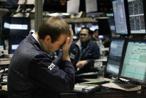Economy's slowdown could worsen, market watchers say