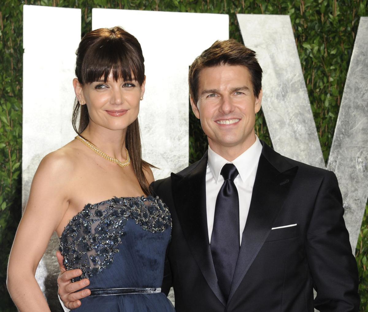 Cruise, Holmes settle divorce case