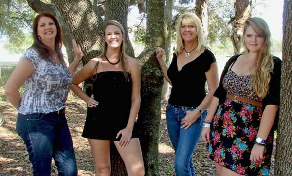 Family of tall women celebrates stature with online T-shirt business that seeks to inspire