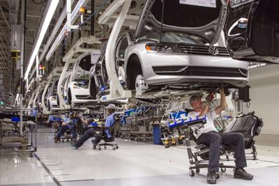 VW passes GM in global auto sales race