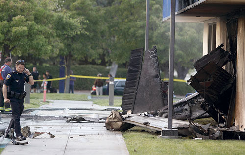 Small plane crashes near Calif. hospital; 2 dead